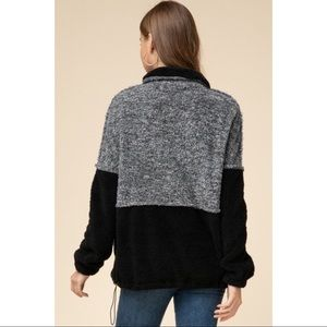 Hannah Beury Sweaters - Color Blocked Sherpa Pullover - Black